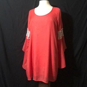 VaVa by Joy Hon Bell Sleeved Tunic Top